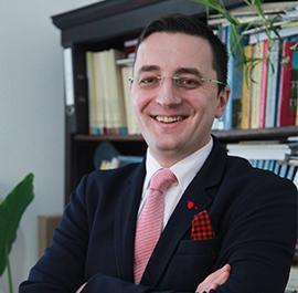 Lect. univ. dr. Emanuel TĂVALĂ